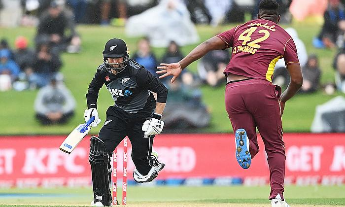 New Zealand overwhelm West Indies in 2nd T20I Media