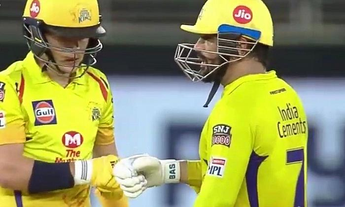CSK's Tom Curran and MS Dhoni