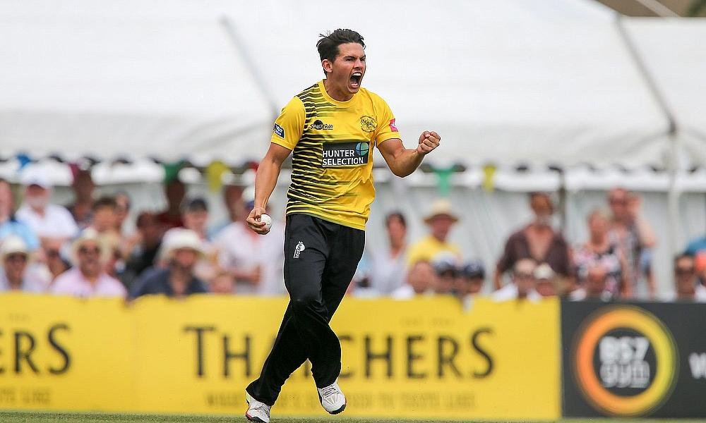 Graeme van Buuren Signs Extension With Gloucestershire CCC