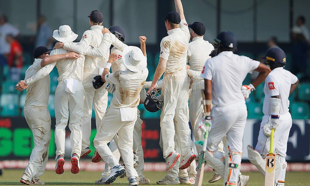 England cricket team celebrate