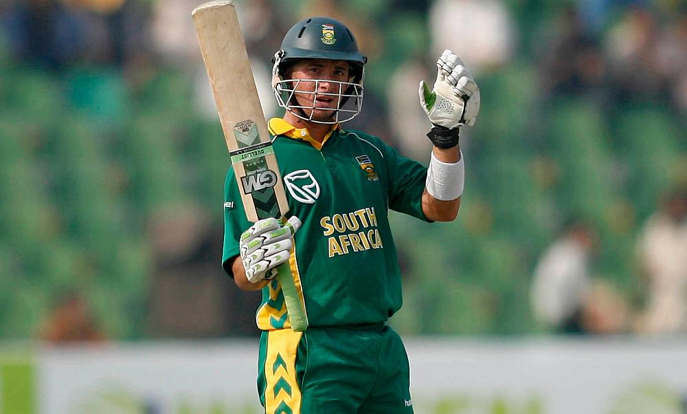 Who would have predicted that: Herschelle Gibbs smacks 6 sixes in ...