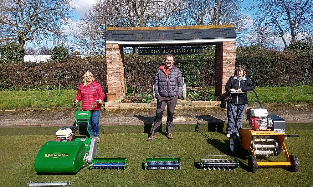 SISIS Superturfman to the rescue at Maldon Bowling Club.